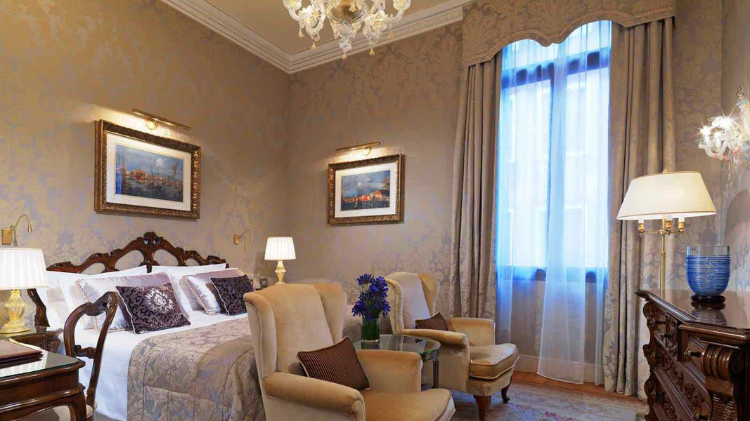 Room restoration – Danieli Hotel, Venice.